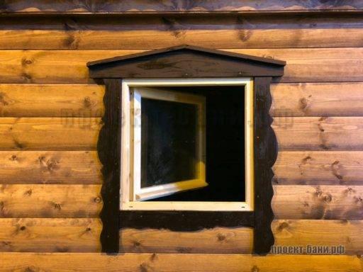Оригинальное оформление окна в бане